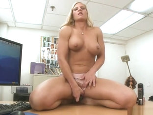 Beautiful fair-haired MILF Amber Irons giving a great blow job