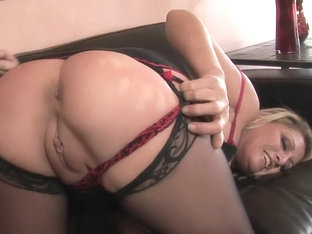Buxom milf in sexy lingerie Chelsea Zinn gets nailed hard on the couch