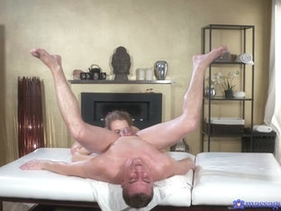 Carmel Anderson & Steve Q in Horny Oiled British Woman Squirting - MassageRooms