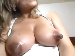 Huge nipples on natural big Cam WebCam