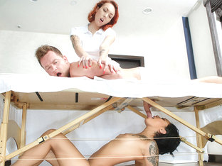 Honey Gold & Van Wylde in Massage Revenge Fuck - SneakySex